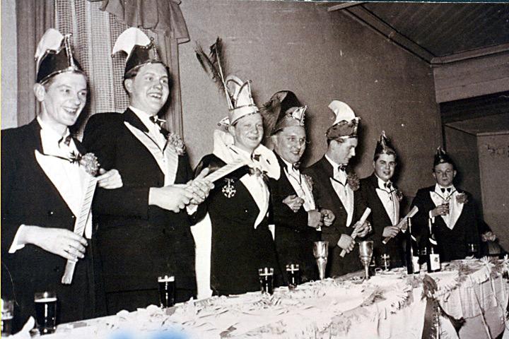 1957 - Prinz Arnold I. Brinkmann mit Mundschenk Werner Lettmann