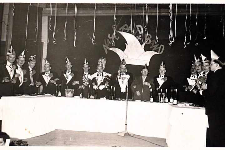 1958 - Prinz Werner I. Lettmann mit Mundschenk Berni Brinkmann