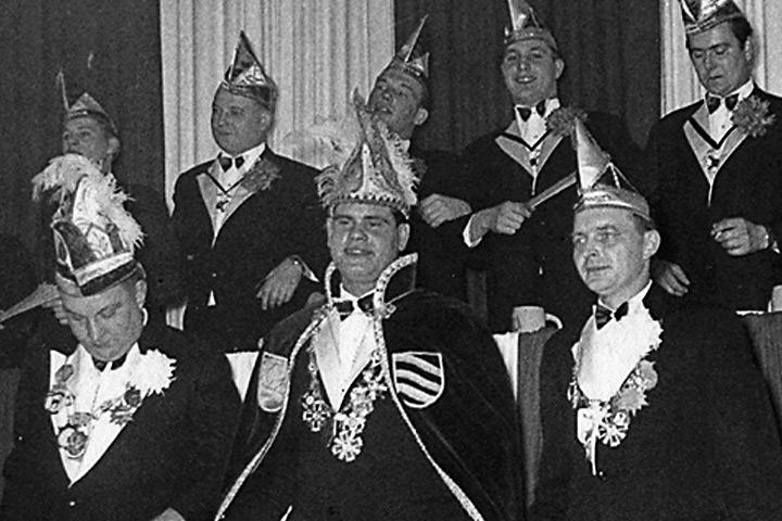 1964 Prinz Helmut I. Israel mit Mundschenk Werner Lettmann