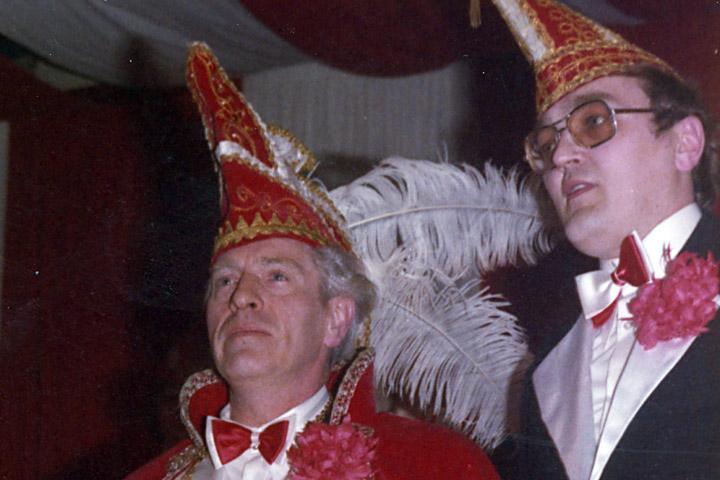 1975 Prinz Heinrich I. Nieländer mit Mundschenk Werner Lettmann