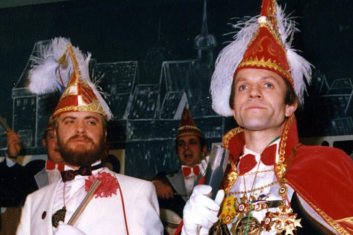 1985 Prinz Heribert I. Heinrichs mit Mundschenk Werner Haverkemper