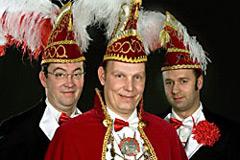 2010 - Prinz Olaf I. Künne mit Mundschenken Martin Klosterkamp und Frank Steinhoff
