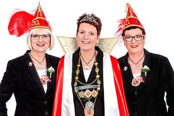 Prinzessin Sandra I. Paschedag mit Mundschenkinnen Christiane Krampe und Mariele Lauhoff